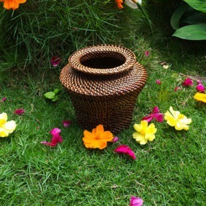 Jar / Flower vase Abaca